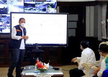 Wali Kota Surabaya Eri Cahyadi menerima kunjungan staf Kementerian Kesehatan dr Andani Eka Putra.