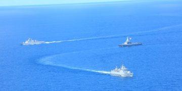 Latihan pertempuran laut yang melibatkan dua kapal perang TNI Angkatan Laut dan  kapal perang milik The Republic of Singapore Navy (RSN) pada Kamis (16/9). Latihan perang bersama yang bertajuk Latma Eagle Indopura 2021 dilaksanakan di Laut Natuna.