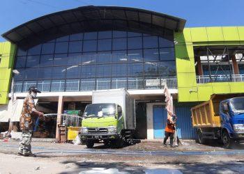 Kondisi Pasar Kembang usai kebakaran pada Agustus 2021 lalu. Pasar yang dikenal dengan pusat grosir jajanan Surabaya ini direncanakan direvitalisasi.
