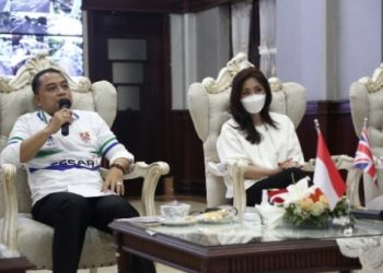 Pembukaan pelatihan pengembangan dari Tranmere Rovers FC secara virtual yang dihadiri Wali Kota Surabaya, Eri Cahyadi.